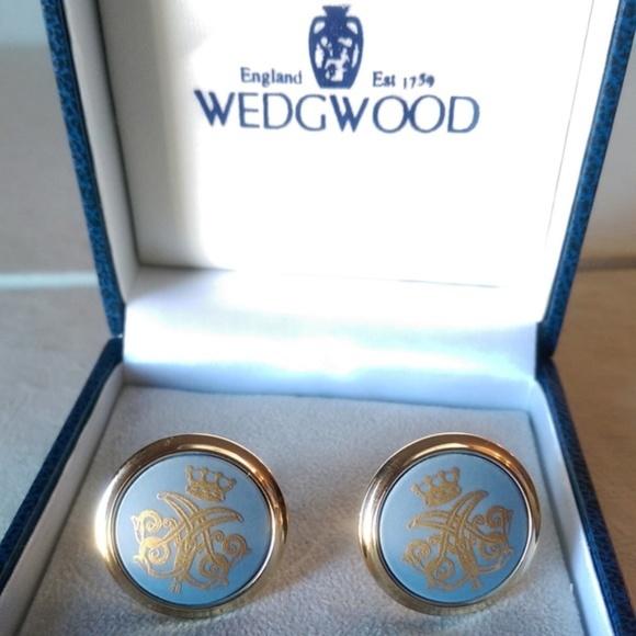 20362e9fab41 Wedgwood Crown English Blue Gold Cufflinks NEW. M_5b9c1db97386bcf96d29e0f4